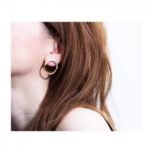 tabane_gold_pierced_earring